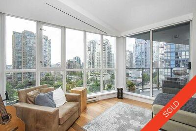 Vancouver West Apartment/Condo for sale:  2 bedroom 922 sq.ft. (Listed 2020-09-10)